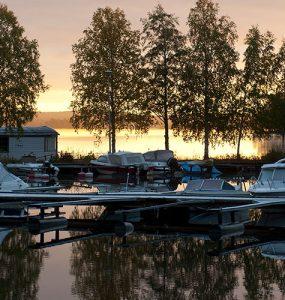 Satateras-Juha-Paukkunen-kesa-saapui-siikaisiin-toimitusjohtajan-kynasta-siltanosturit-
