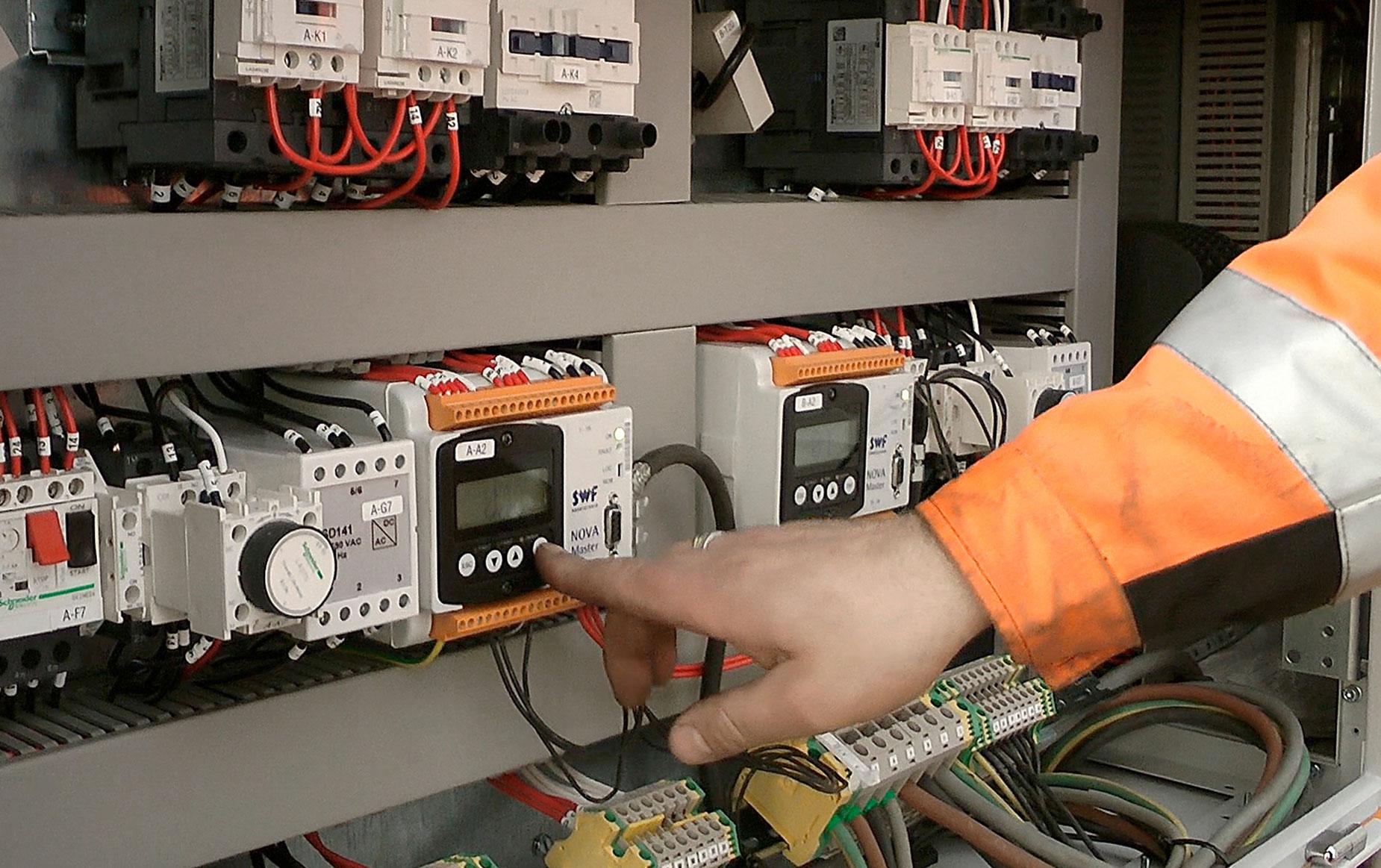 crane-service-nosturihuolto-teollisuus-metalliteollisuus-teollisuuden-siltanosturit-satateras_5