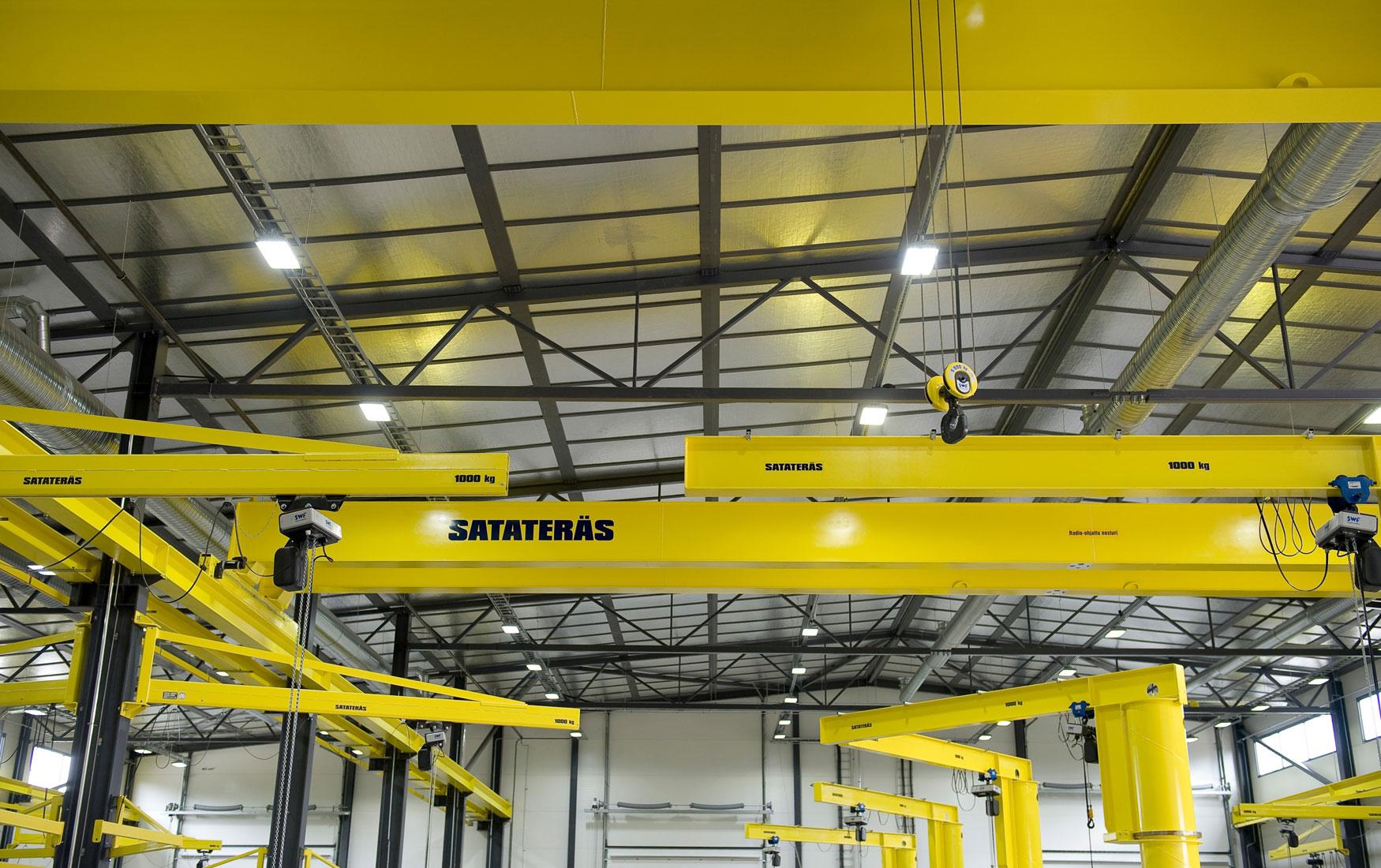 teollisuus-metalliteollisuus-teollisuuden-kaantopuominosturit_satateras-4