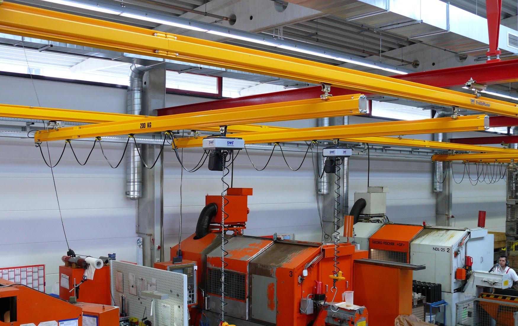 teollisuus-metalliteollisuus-teollisuuden-profiilinosturit-satateras_1
