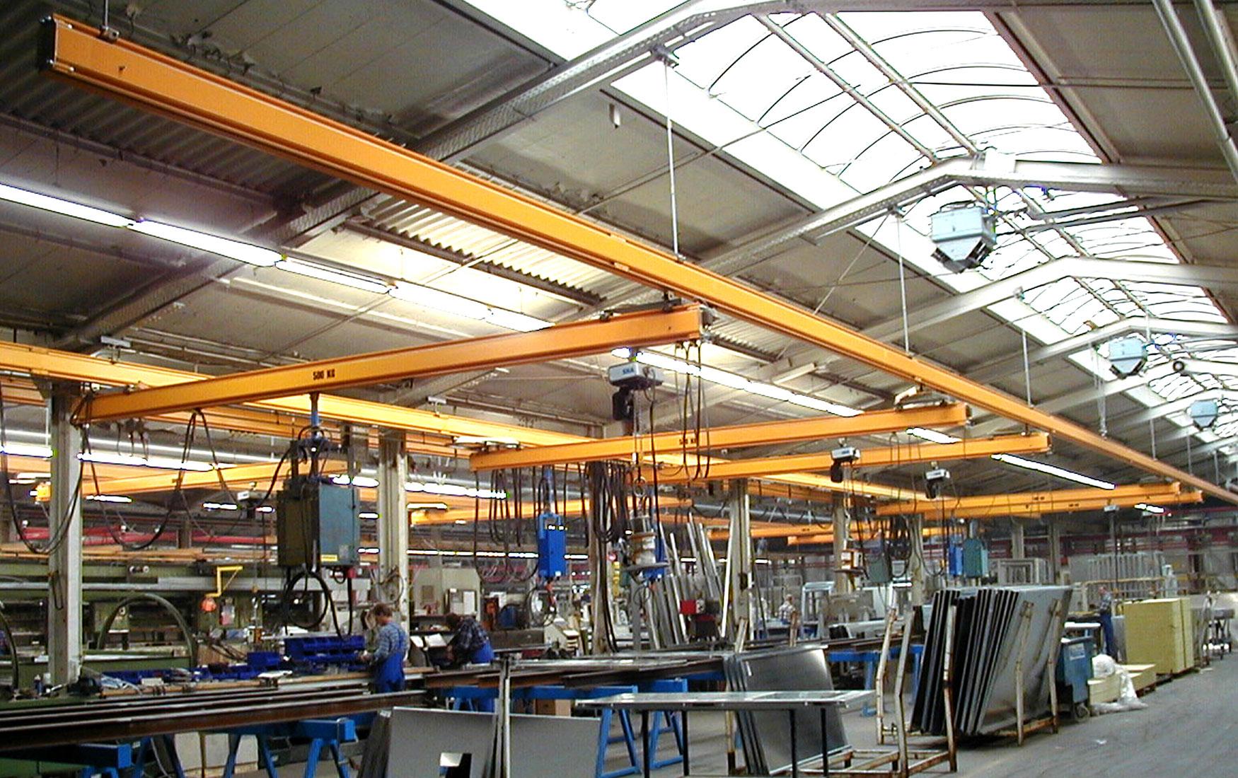 teollisuus-metalliteollisuus-teollisuuden-profiilinosturit-satateras_2